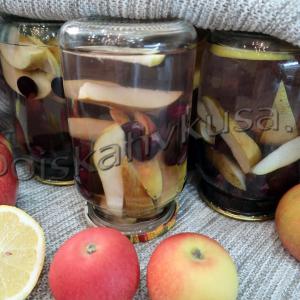 Компот из груш, винограда и лимона