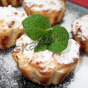Сырники с яблоками и манкой в духовке