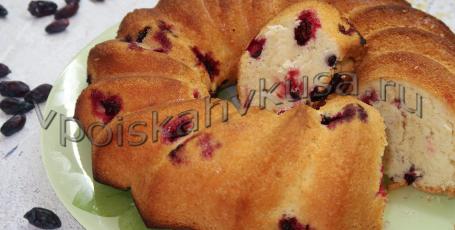 Очень вкусный пирог с жимолостью